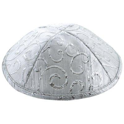 Keppeltje / Kippah in glanzende stof in zilverkleur met kruldesign