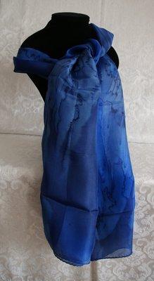 Handgmaakte blauwe puur zijden sjaal uit Israël