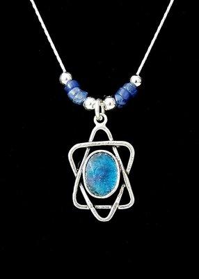 Complete zilveren ketting Davidster met Romeins glas en blauwe dumorite steentjes, handgemaakt door Michal Kirat een Israelische ontwerpster