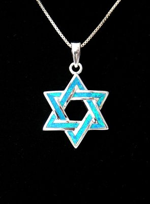 Davidster, een mooi hangertje van zilver met blauwe synthetische opaal