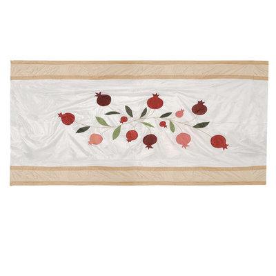 Tafelkleed, uniek zijden tafelkleed schitterend geborduurd met Granaatappels van Yair Emanuel, heel bijzonder voor uw feesttafel! Afmeting 355 x 155 cm