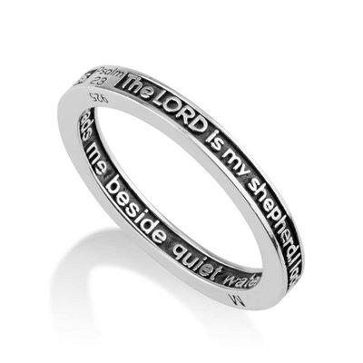 Zilveren Ring van Marina uit Israel met in Engels het eerste deel van Psalm 23: De Heer is mijn Herder...