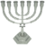 Mooi ontworpen zilver kleurige Menorah met Davidster klein model van 15 cm hoog en 13,8 cm breed