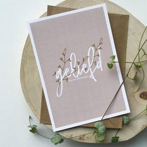 Heb Lief Kaart met envelop van Ahavah design met Geliefd door de Allerhoogste in vergrijsd roze