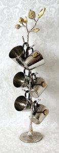 Kiddush set / Wijnset van Yair Emanuel met 6 bekertjes aan een bijzondere standaard met granaatappels in de vorm van een 'Levensboom'