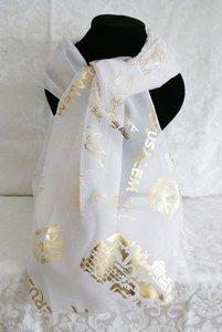 Sjaal uit Israel van witte voile bedrukt met Bijbels thema: Bid voor de vrede van Jeruzalem