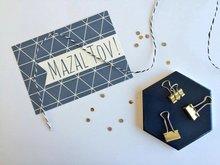 Ansichtkaart Mazal Tov (Gefeliciteerd) navy met grafisch design van Ahavah design