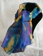 Handgemaakte puur zijden sjaal met regenboog kleuren