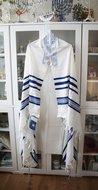 Tallit / Talliet (gebedsmantel) gemaakt van 100% wol compleet met de blauwe Tzitzit draadjes aan de 4 hoeken.