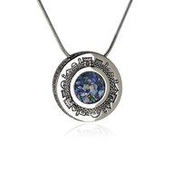 Bijzondere ronde hanger met Jeruzalem en in het hart Romeins Glas aan een bijpassende zilveren ketting uit de Rafael Jewelry Co