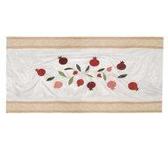 Tafelkleed, uniek zijden tafelkleed geborduurd met Granaatappels van Yair Emanuel. Afmeting 355 x 155 cm
