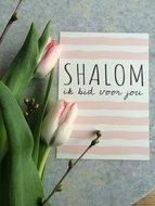Kaart / Gebedskaart met envelop met de tekst 'Shalom ik bid voor jou' in gebroken wit met pastel roze van Ahavah